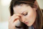 Smutna i zmęczona kobieta